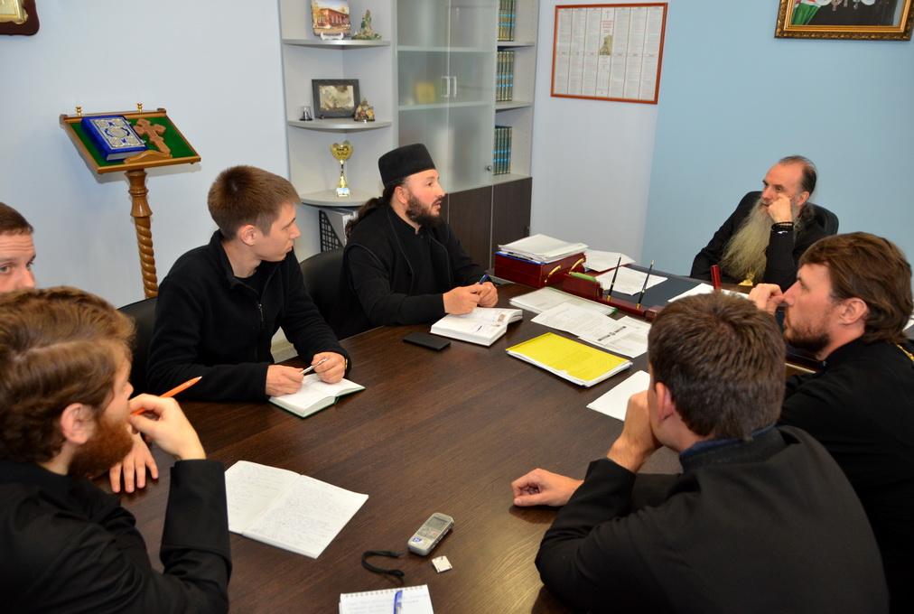 Проблемы миссии в епархии обсудили правящий архиерей и руководители профильных отделов