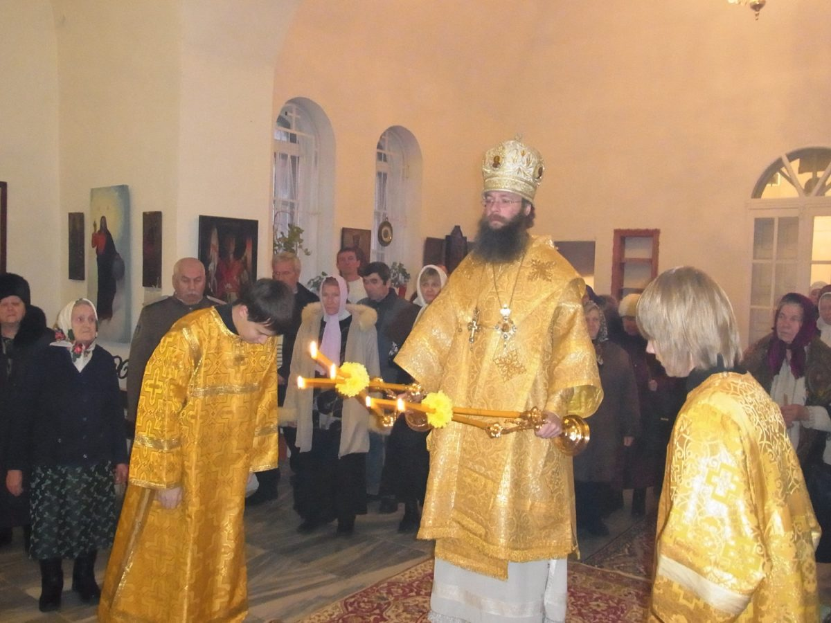 Богослужение в Знаменском храме Богдановичского района