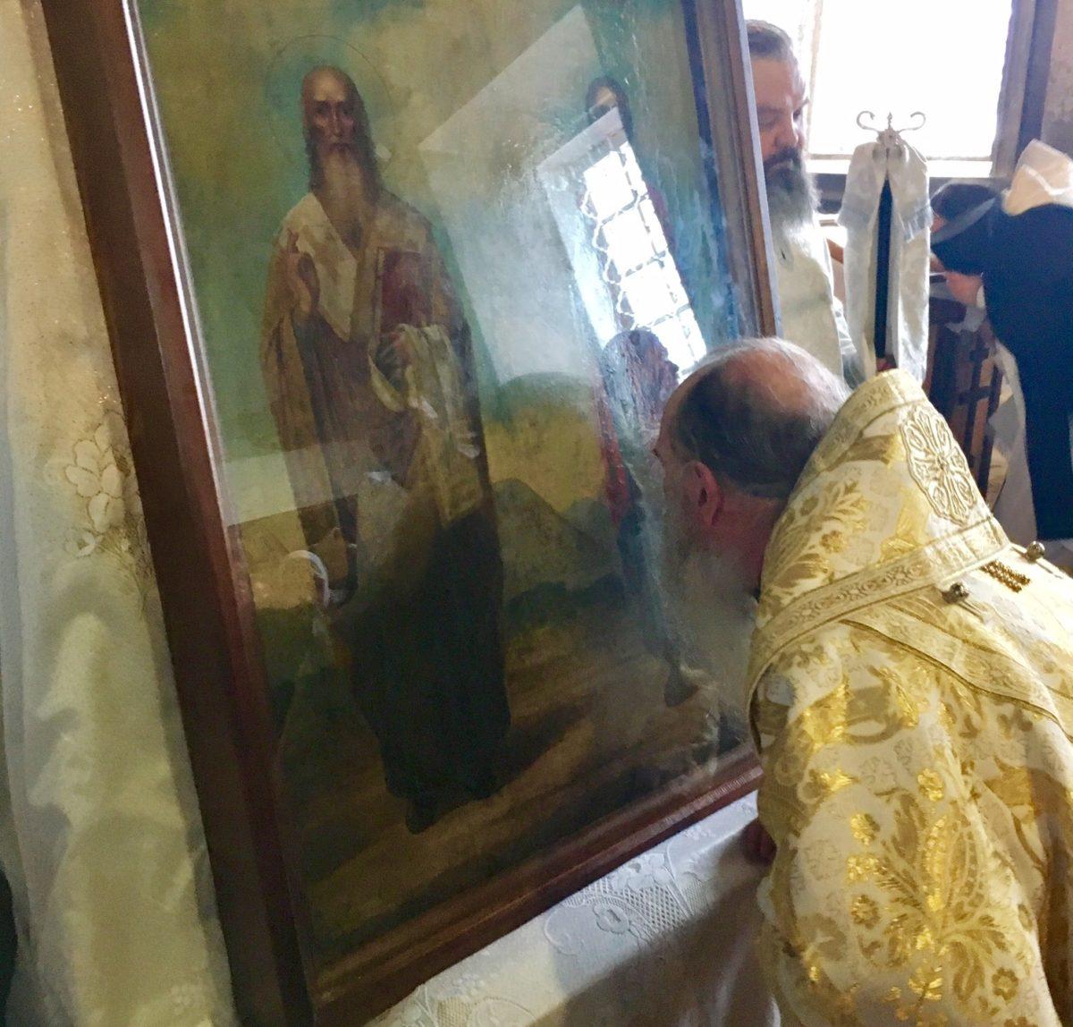 В Покровском соборе почтили новую местночтимую икону святителя Тихона Амафунтского и великомученика и целителя Пантелеймона