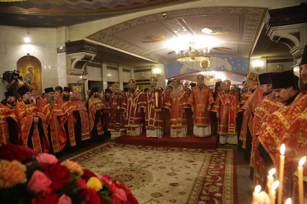 Архиерейское богослужение совершено в Храме на Крови накануне Собора новомучеников и исповедников Церкви Русской