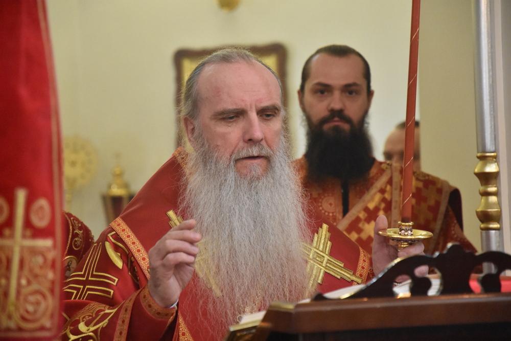 Вечерню в Пасхальный день совершил епископ Мефодий