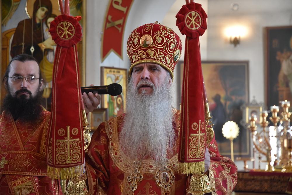 В пятницу Светлой седмицы Владыка Мефодий совершил Божественную Литургию