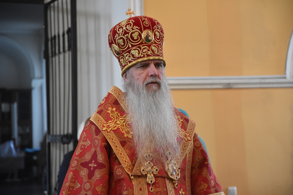 Епископ Мефодий возглавил Литургию в кафедральном соборе