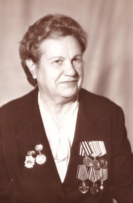 Жукова (Звягина) Александра Ивановна