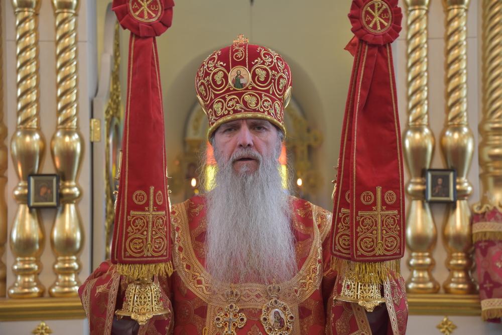 Воскресную Литургию возглавил Преосвященнейший владыка Мефодий