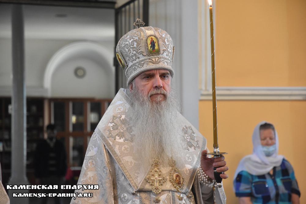 В канун праздника Вознесения Господня епископ Мефодий совершил Всенощное бдение