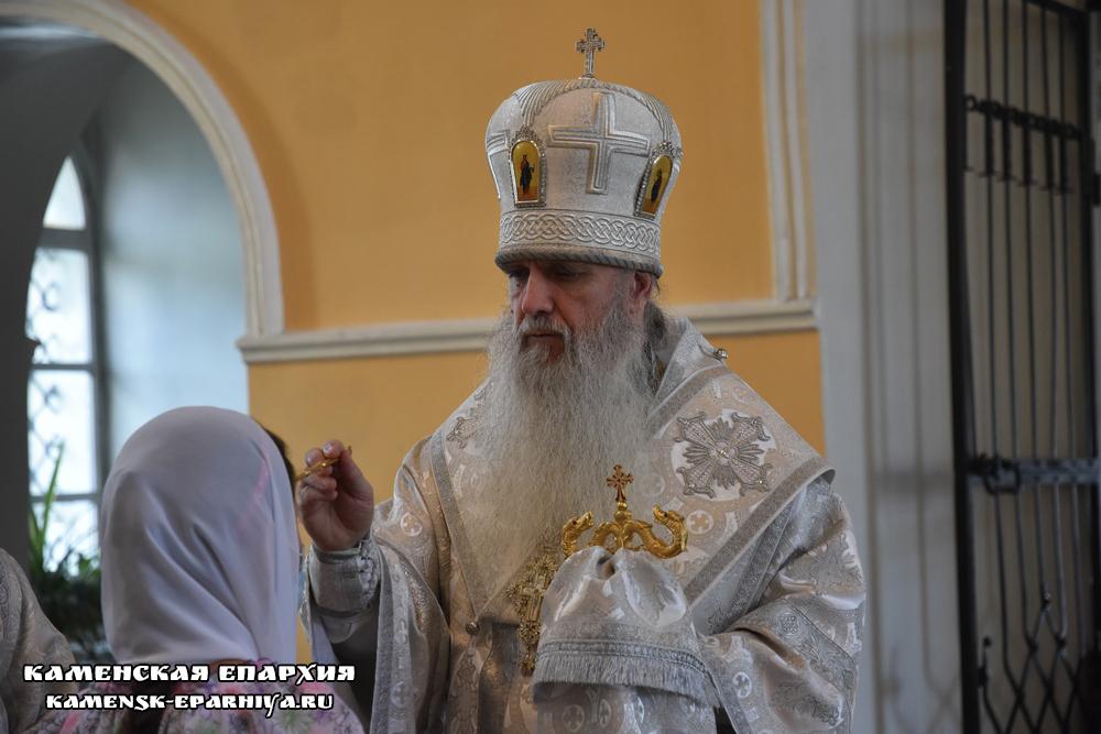 В канун Рождества Иоанна Крестителя Владыка Мефодий возглавил всенощное бдение