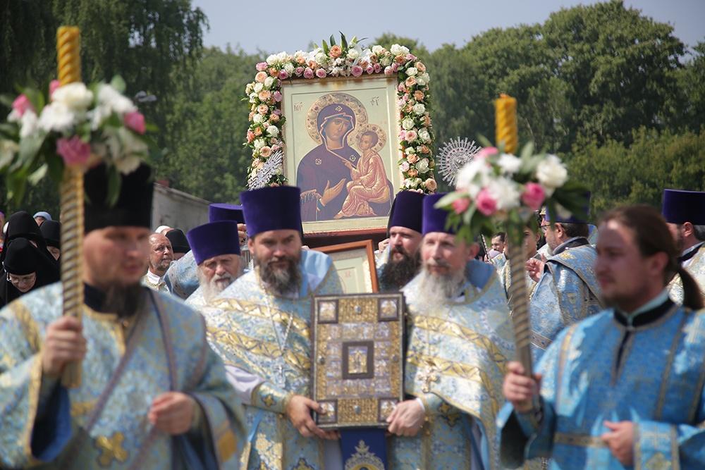 Ново-Тихвинский женский монастырь Екатеринбурга отметил престольный праздник (репортаж ТК «Союз»)