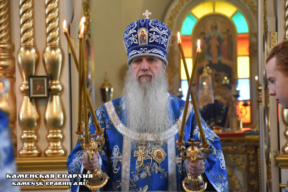В день явления Казанской иконы Божией Матери епископ Мефодий совершил Литургию