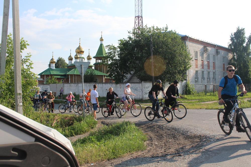 В Талице прошел велопробег и Литургия памяти священномученика