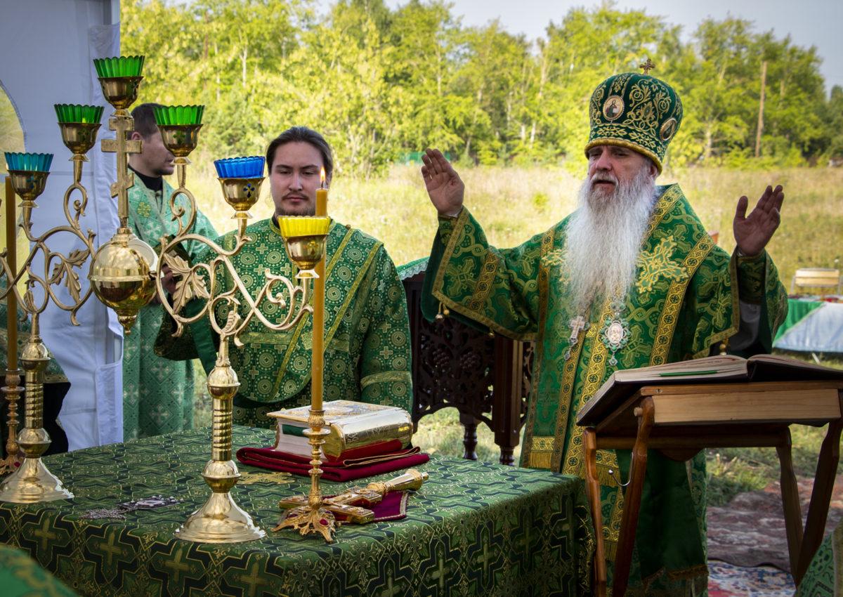 Божественная литургия в день памяти Далмата Исетского