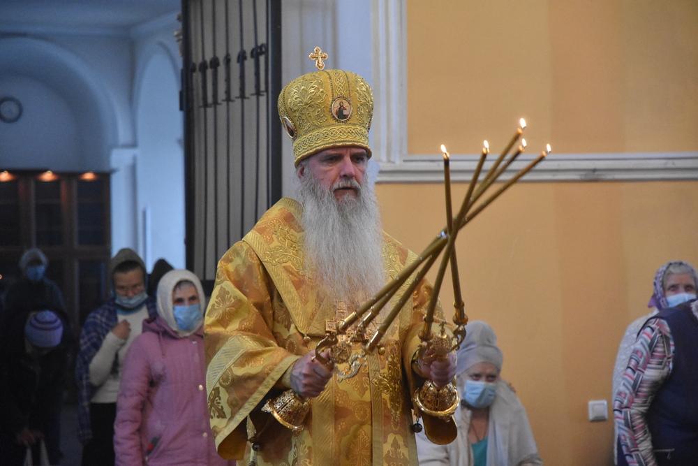 В неделю 20-ю по Пятидесятнице Владыка Мефодий совершил Литургию