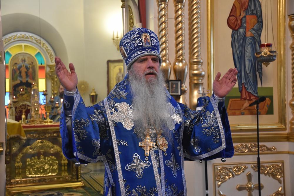 В праздник Иверской иконы Божией Матери епископ Каменский и Камышловский Мефодий совершил Литургию