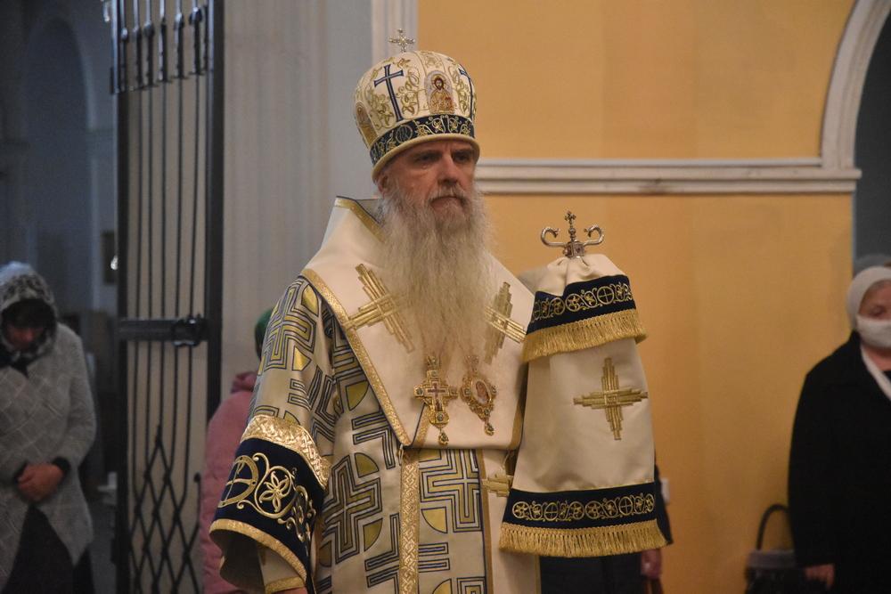 В канун празднования иконе Божией Матери «Казанская» Владыка Мефодий совершил Всенощное бдение
