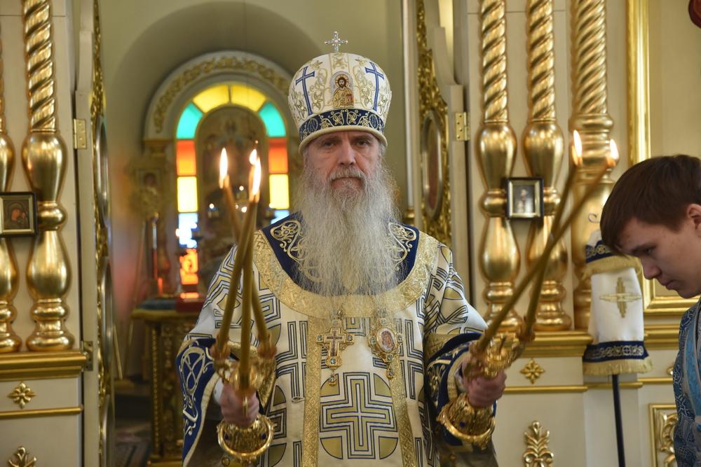 Владыка Мефодий совершил Литургию в день Казанской иконы Божией Матери