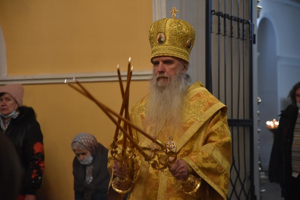 Владыка Мефодий совершил Литургию в день памяти святителя Николая Чудотворца