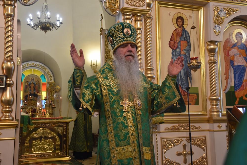 В день памяти небесного покровителя Екатеринбургской митрополии владыка Мефодий совершил Литургию