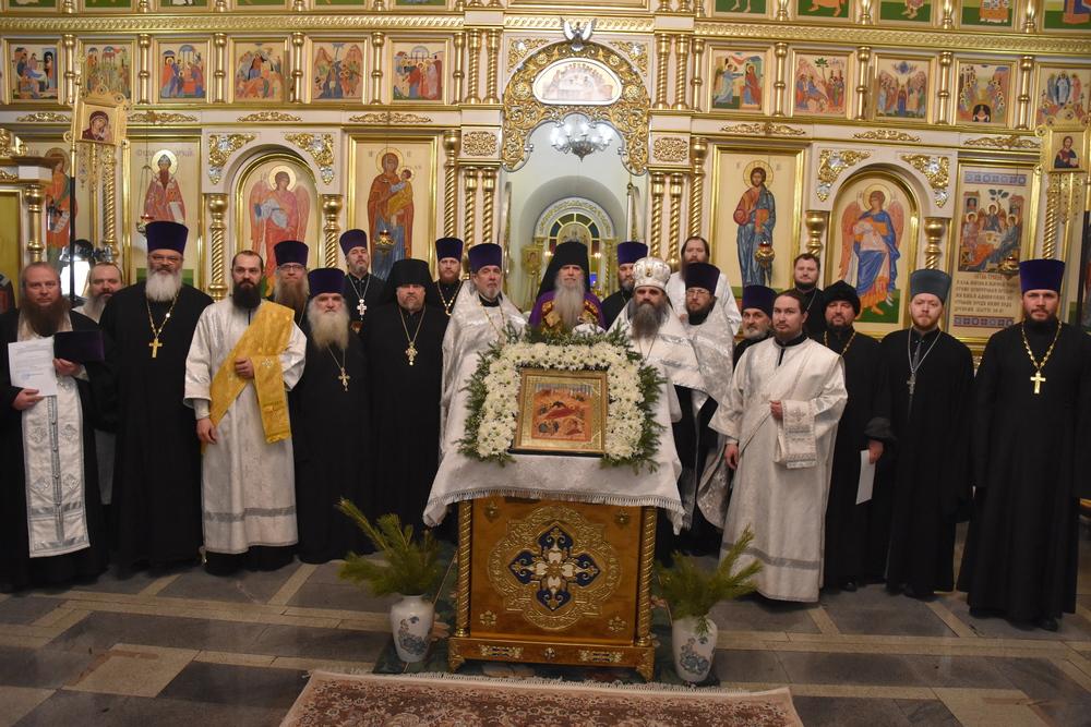 Епископ Каменский и Камышловский Мефодий совершил вечерню с награждением духовенства епархии