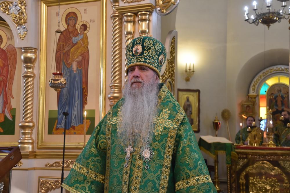 В субботний день епископ Мефодий возглавил Литургию
