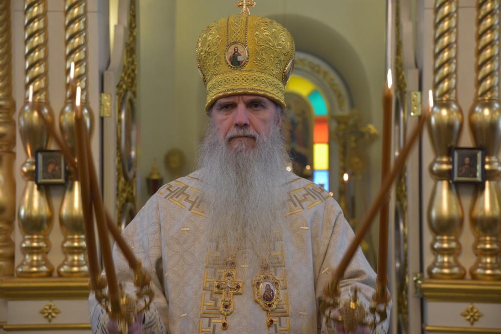 В неделю о Закхее владыка Мефодий совершил Божественную литургию