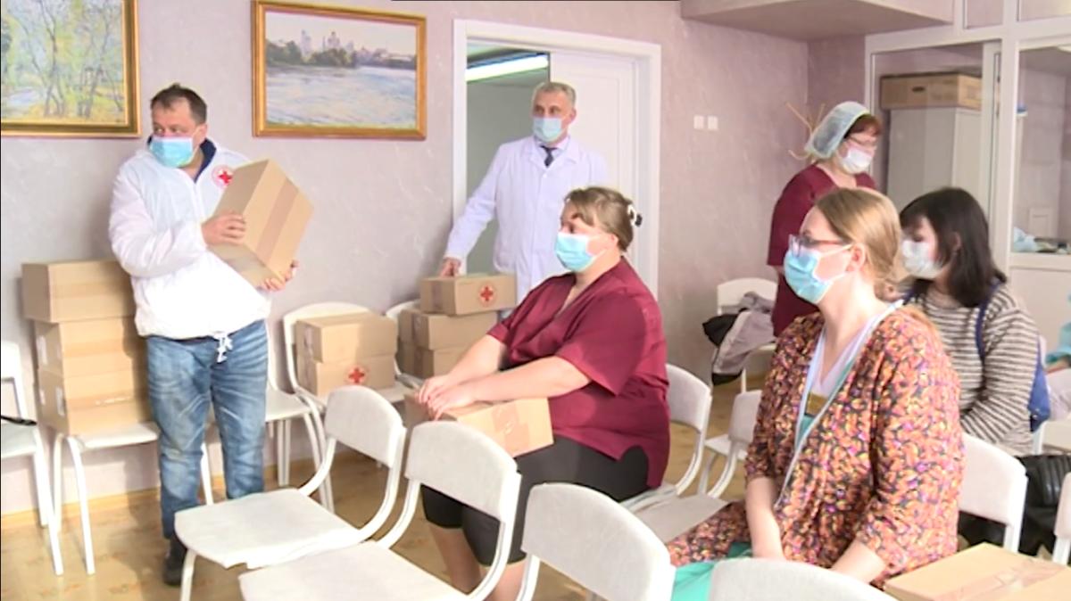 Каменское отделение «Красного креста» оказало помощь медикам