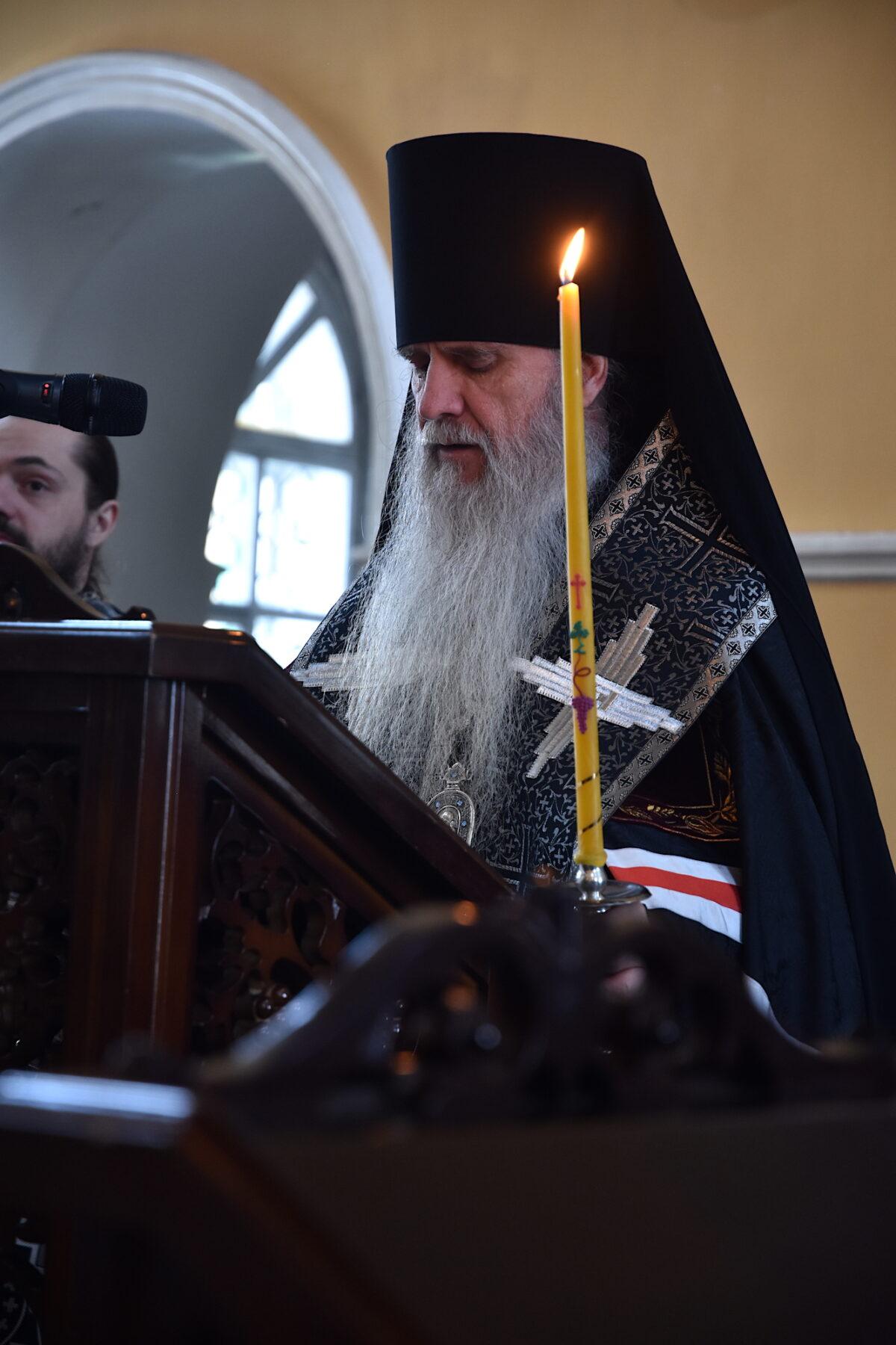 Владыка Мефодий совершил Великое повечерие с чтением покаянного канона прп. Андрея Критского