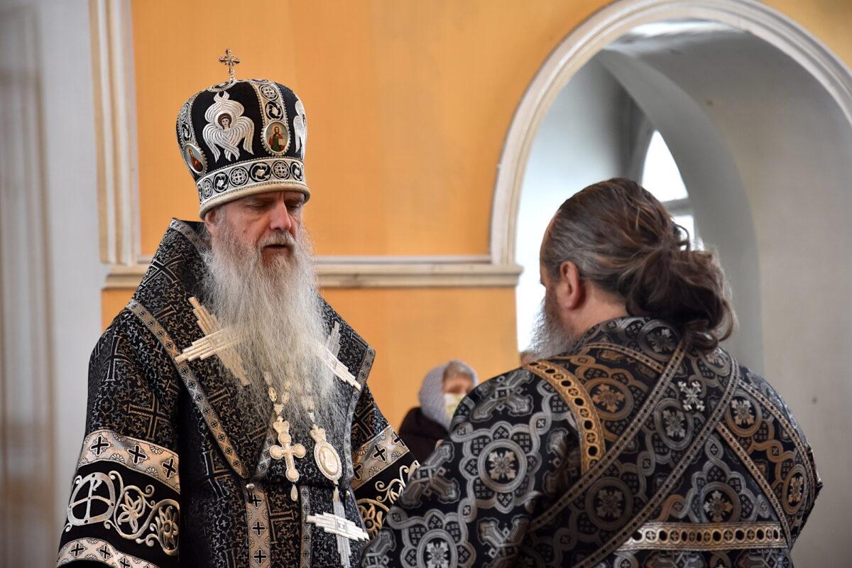 Преосвященнейший Мефодий возглавил Литургию Преждеосвященных Даров в пятницу 1-й седмицы Великого поста