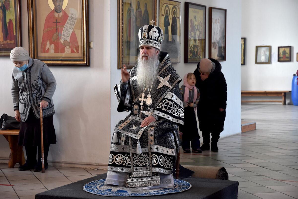 Владыка Мефодий совершил Литургию Преждеосвященных Даров в Спасо-Преображенском монастыре