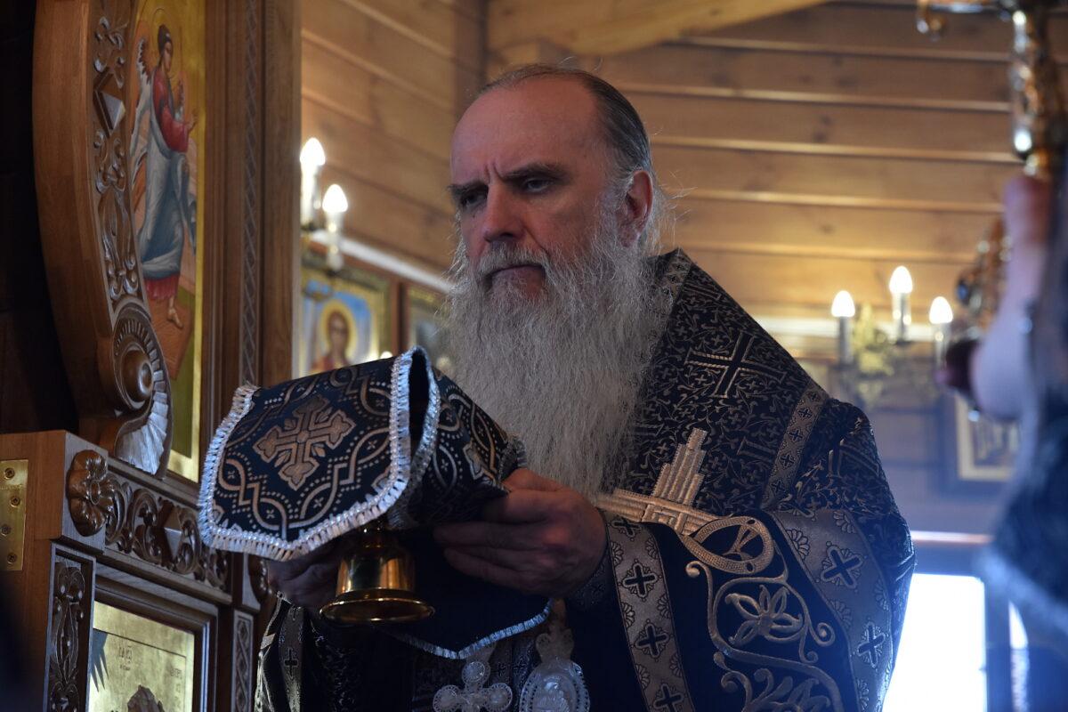 Владыка Мефодий совершил Литургию Преждеосвященных Даров в подворье во имя Архистратига Михаила