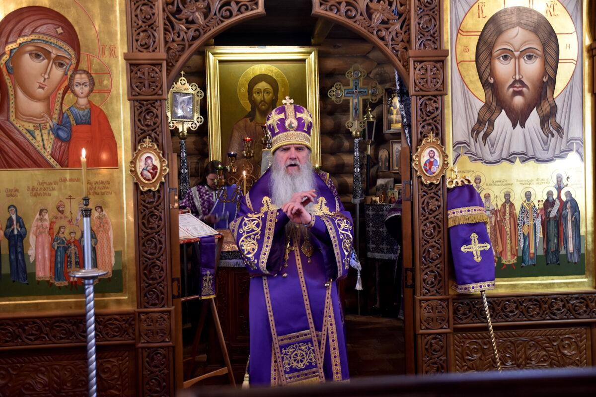 В храме свт. Николая Чудотворца г. Заречного владыка Мефодий совершил Литургию
