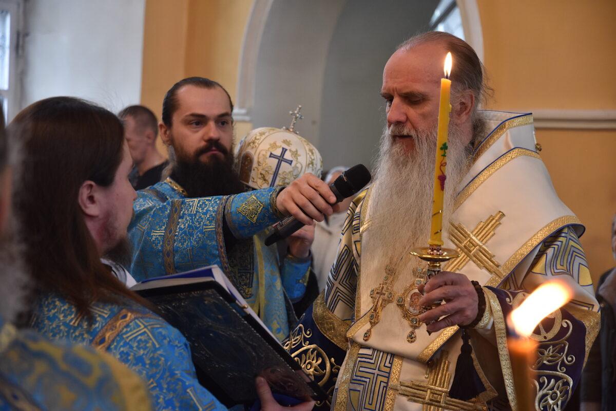 Епископ Мефодий возглавил Всенощное бдение в канун Благовещения