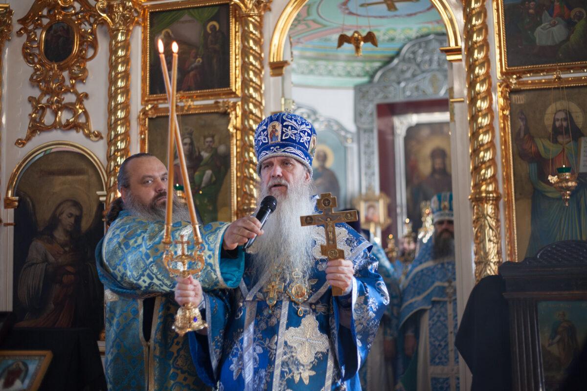 Епископ Мефодий совершил Литургию в храме апостолов Петра и Павла г. Талицы