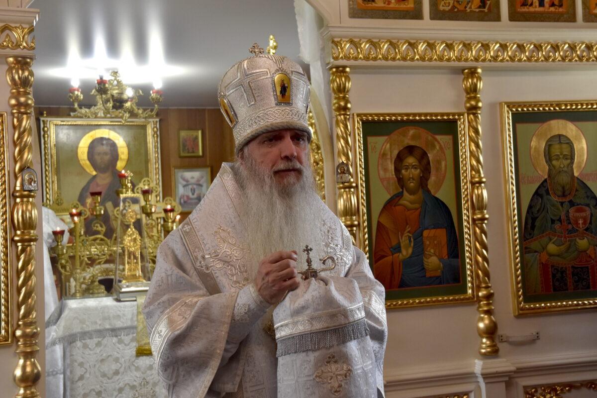 В Лазареву субботу епископ Мефодий совершил Литургию в храме свт. Ионы пос. Верхнее Дуброво