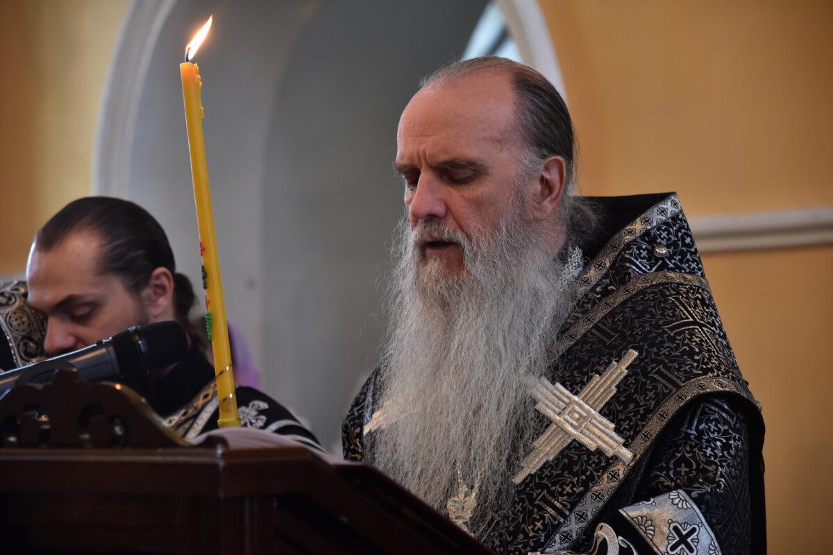 В Великий Четверток Владыка Мефодий совершил чтение 12 Страстных Евангелий