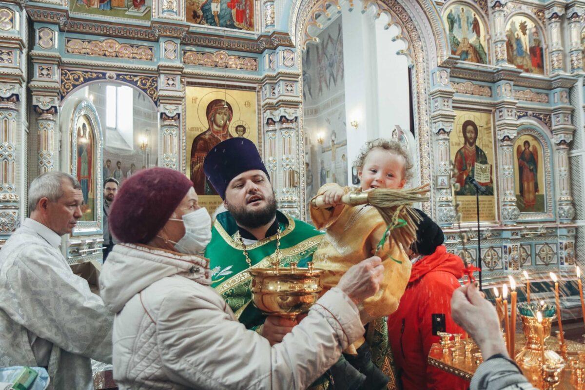 Вербное воскресение в Покровском храме города Заречного