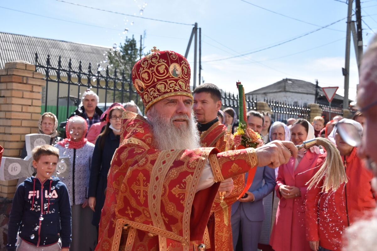 Преосвященнейший Мефодий возглавил Литургию в селе Косулино