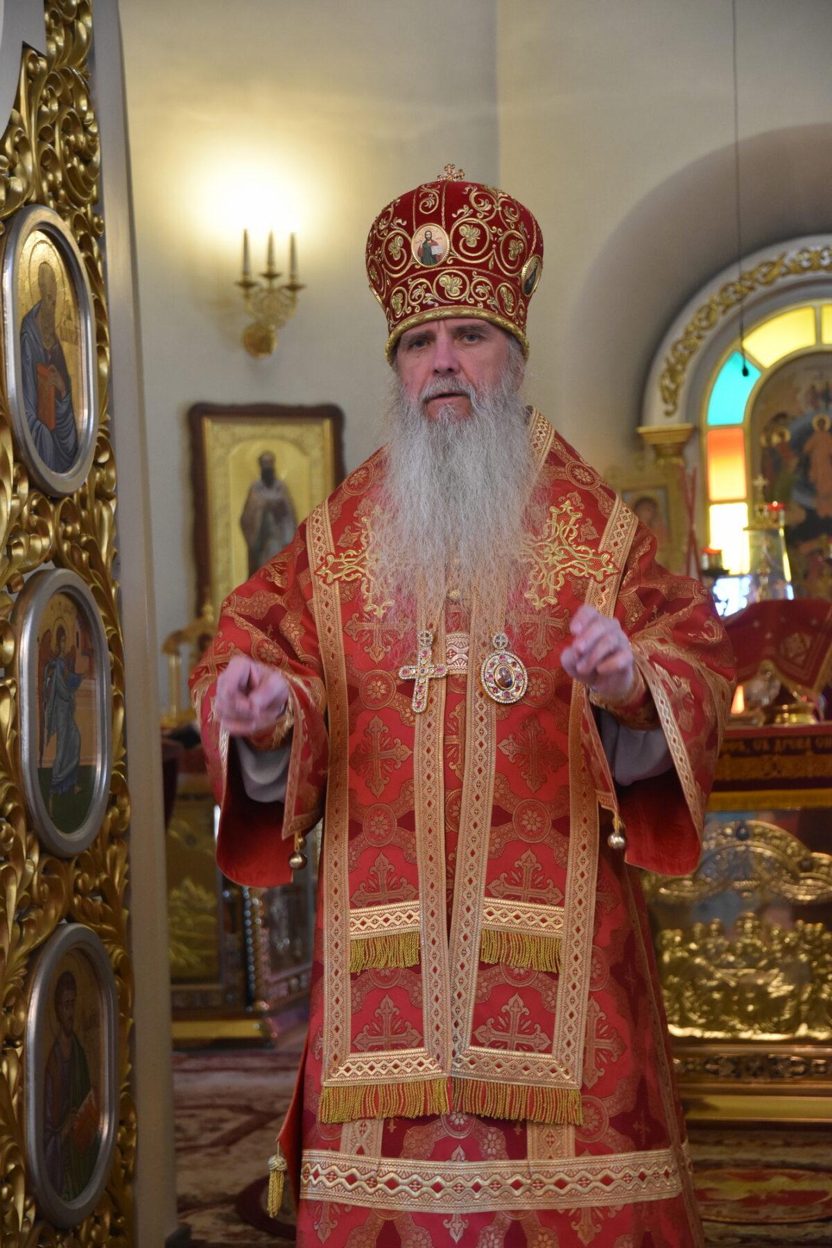 В день третьего обретения главы Иоанна Крестителя епископ Мефодий возглавил Литургию