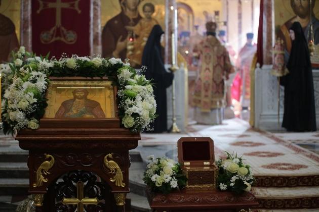 Приглашаем всех жителей и гостей города Каменска-Уральского помолиться у великой святыни за себя и своих близких