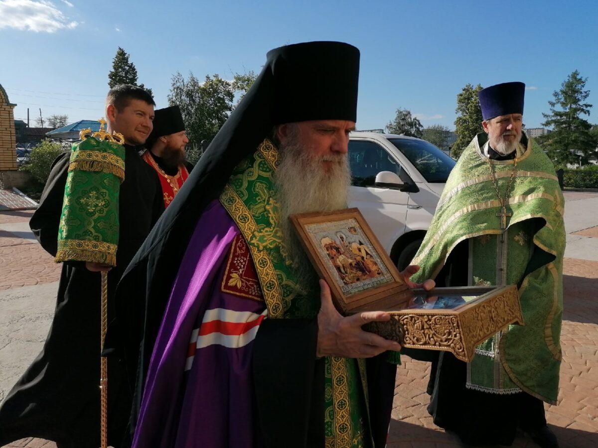 Каменск-Уральский торжественно встретил мощи своего покровителя