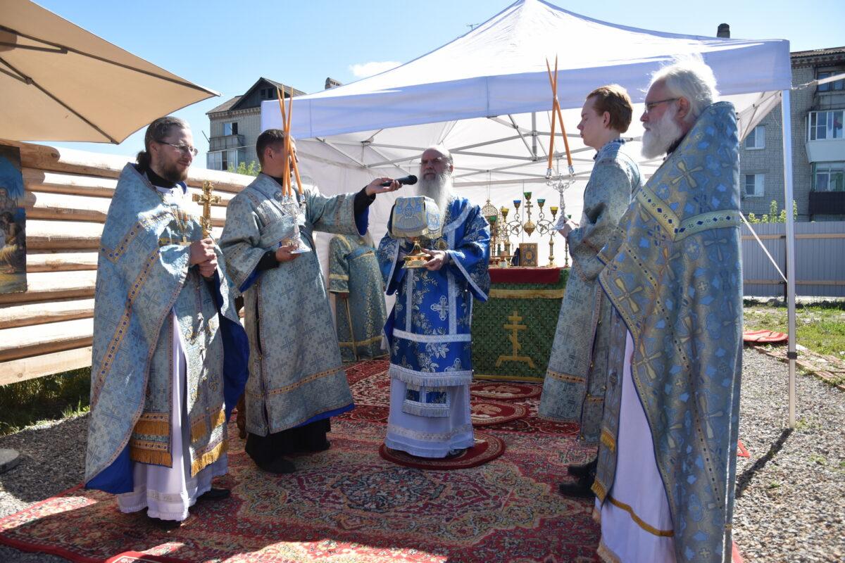 Архиерейская литургия под открытым небом