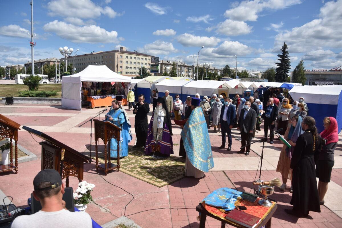 В Каменске-Уральском состоялось открытие православной выставки «Звон колоколов»