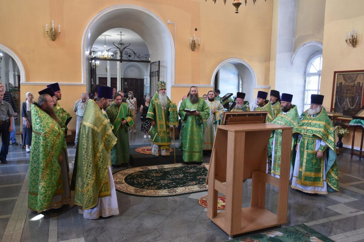 В день памяти прп. Далмата Исетского состоялась соборная Литургия