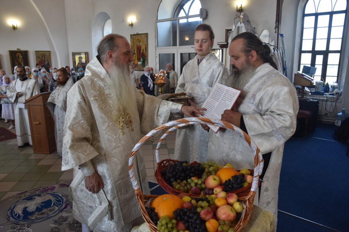 Владыка Мефодий совершил Литургию в престольный праздник Спасо-Преображенского мужского монастыря
