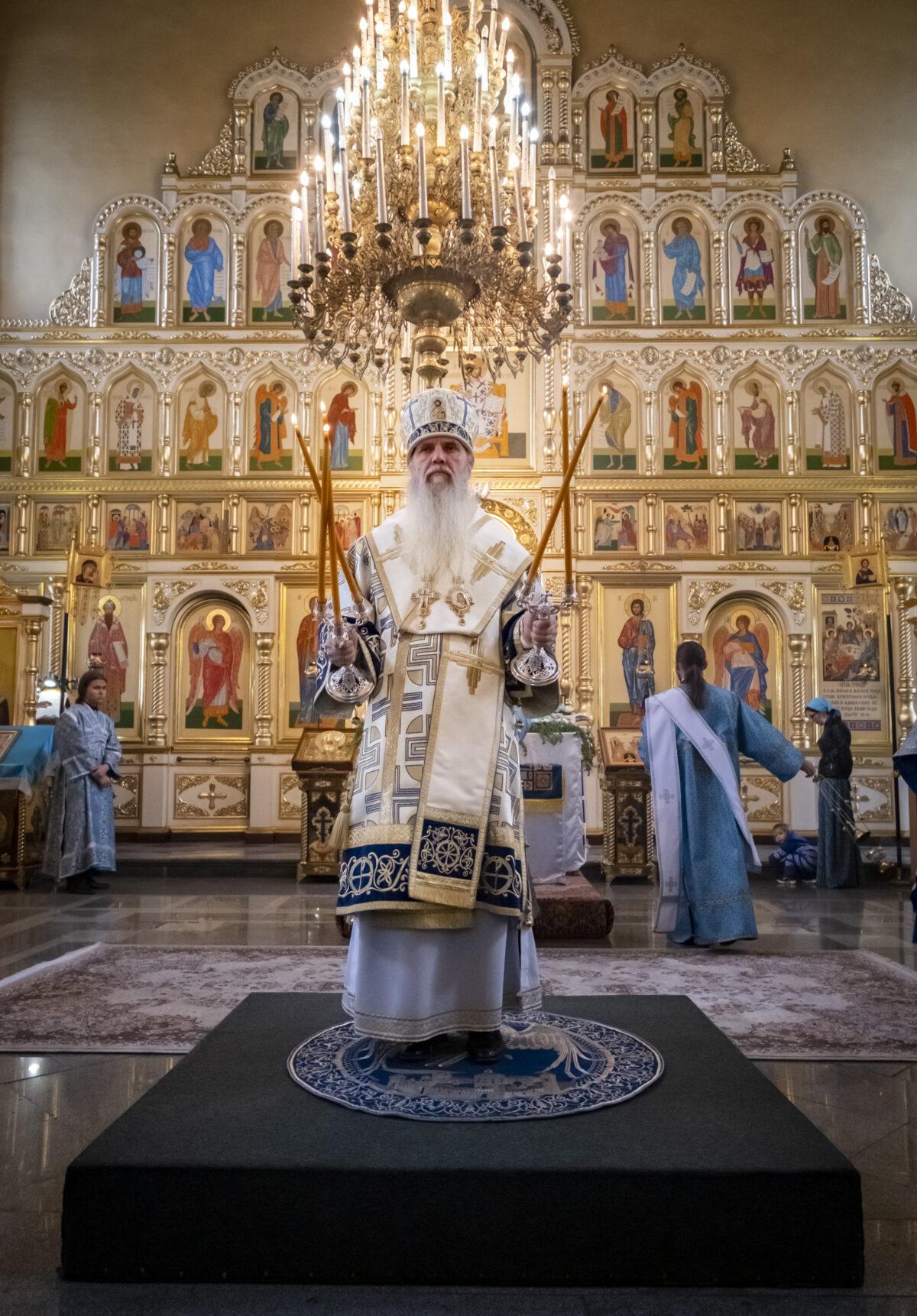 В день Успения Божией Матери епископ Мефодий совершил Литургию