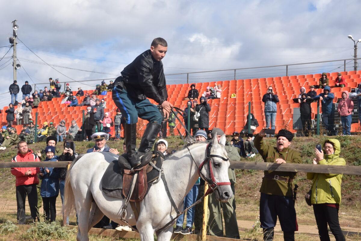 Четвертые казачьи игры состоялись в Каменске-Уральском