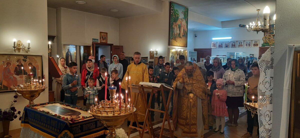 Молебен для учащихся в Рефтинском