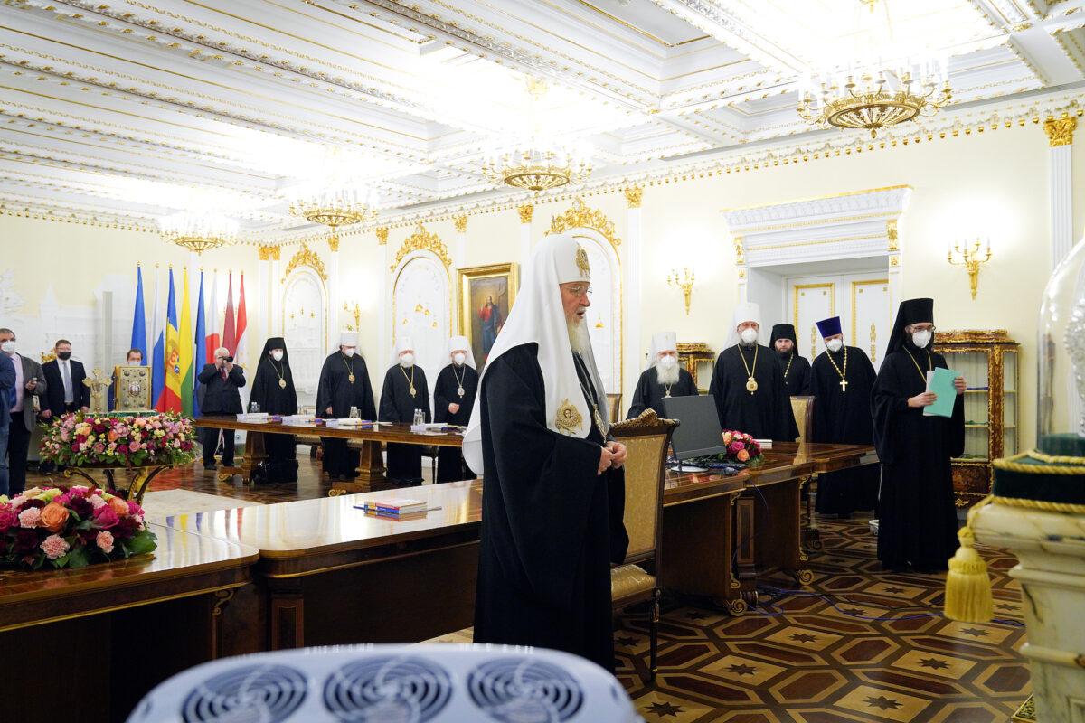 Состоялось заседание Священного Синода