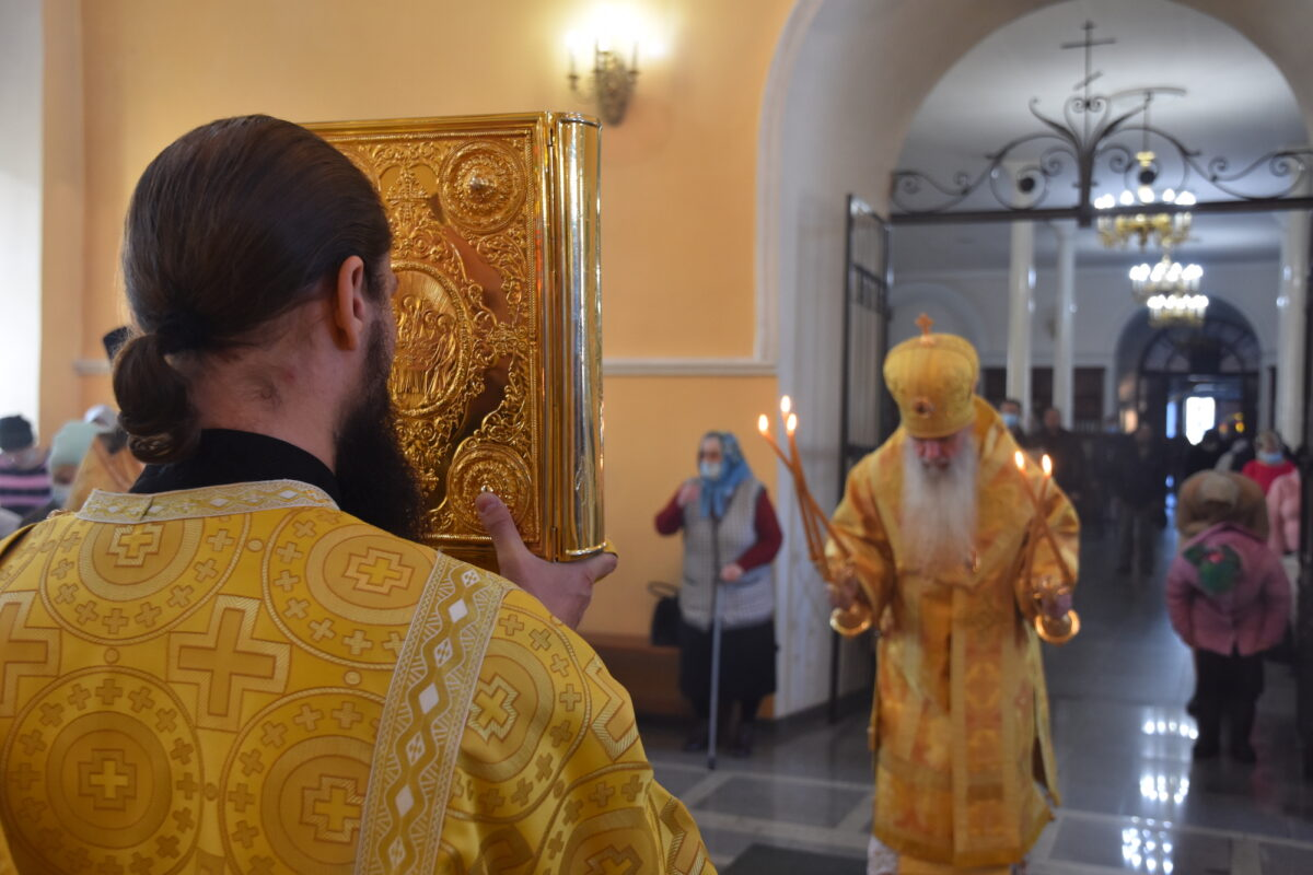 Архиерейская литургия состоялась в Свято-Троицком соборе
